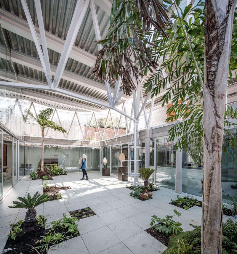 Casa Tobogan greenhouse