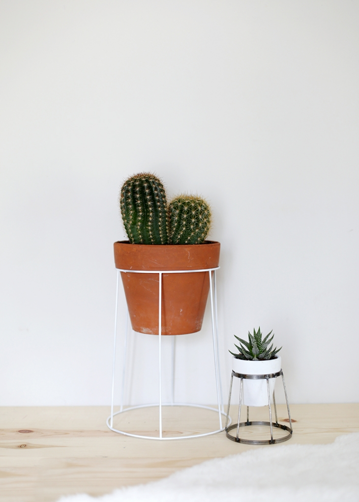 DIY thrifted plant stand