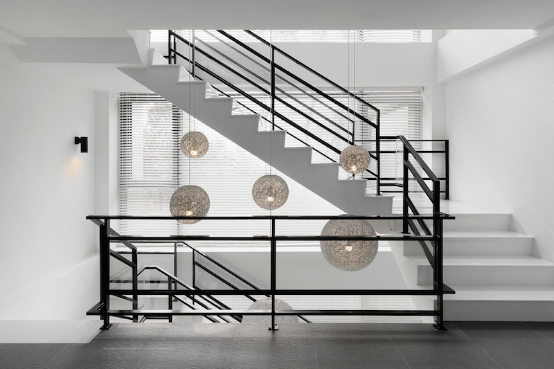 Four Season House staircase pendant lamps