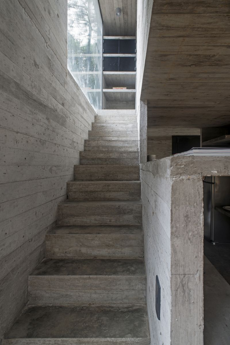 H3 House staircase to bedrooms