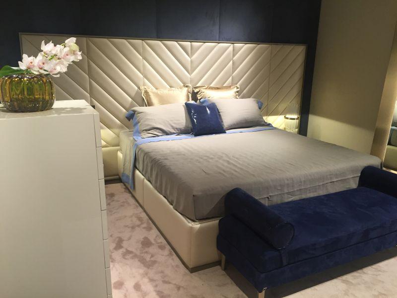 Midnight blue for bedroom