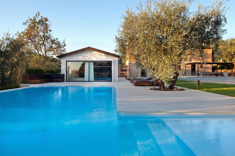 Renovated country house in Lucca large pool