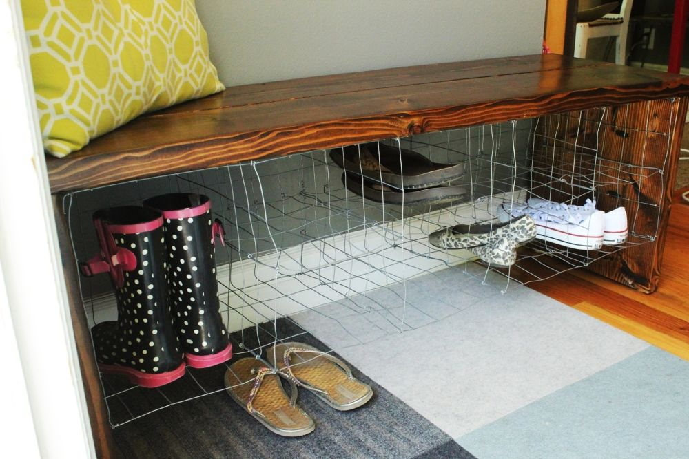 DIY Industrial Bench -wire and wood