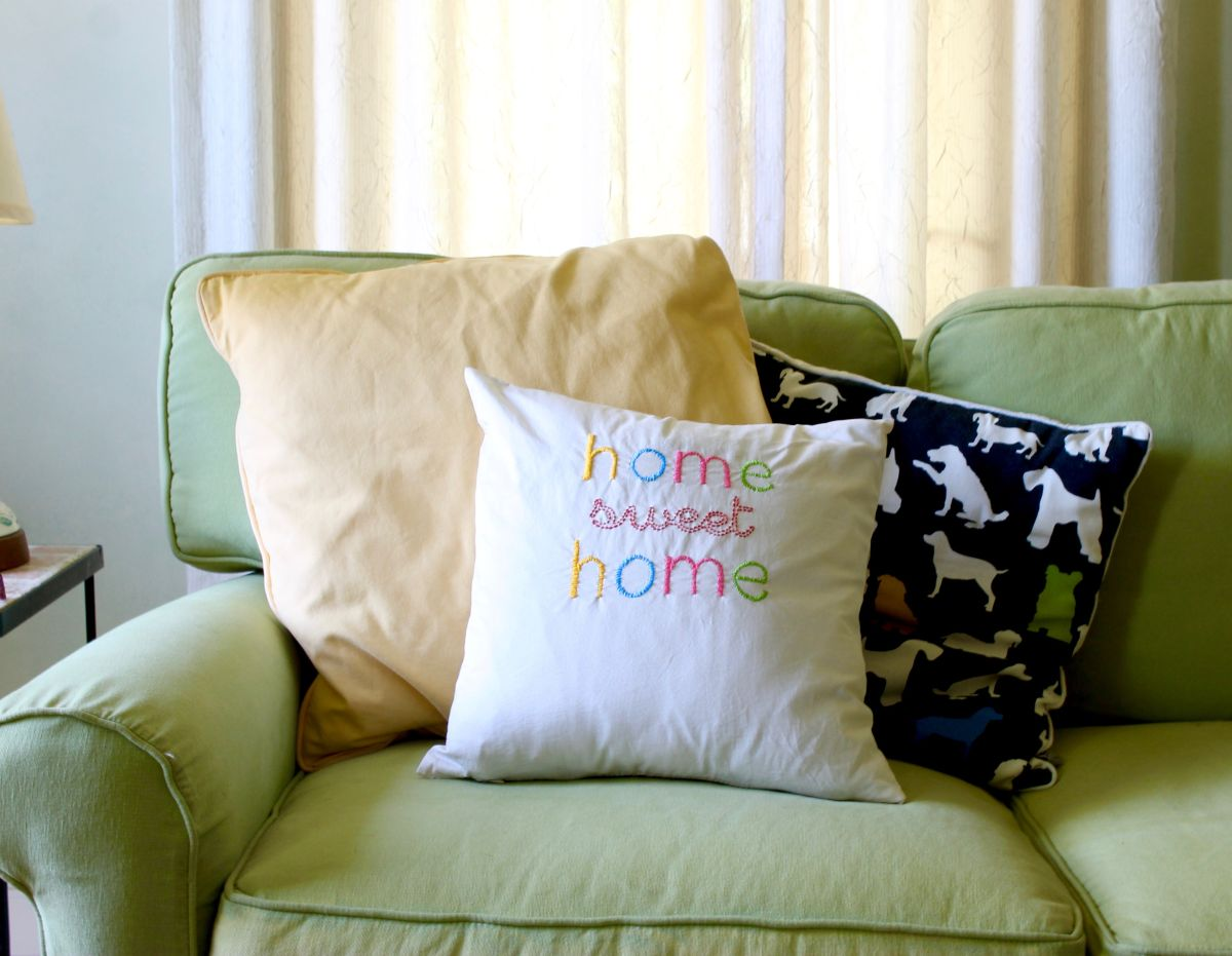 embroidered throw pillow diy home