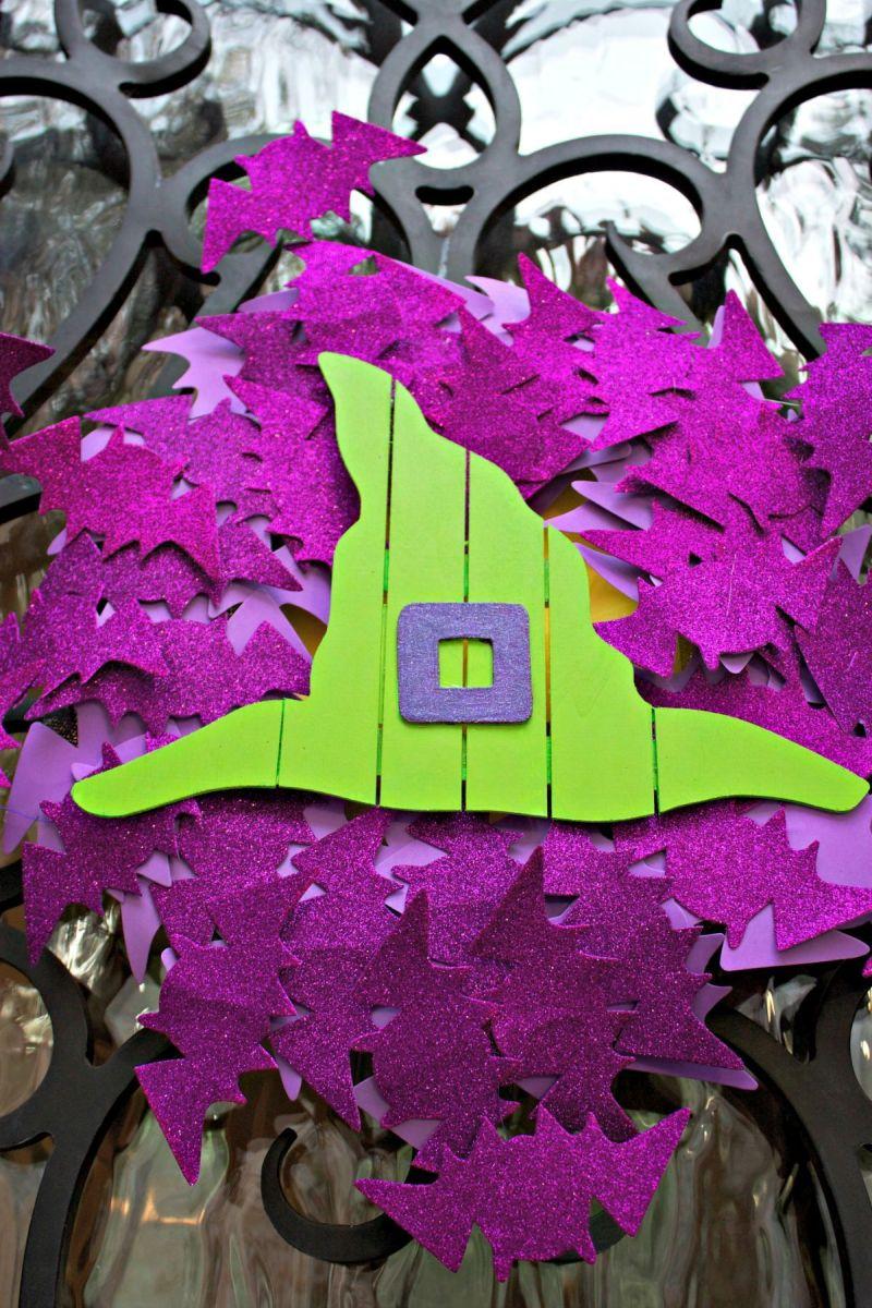 Halloween Front Door Bat Wreath - Hang