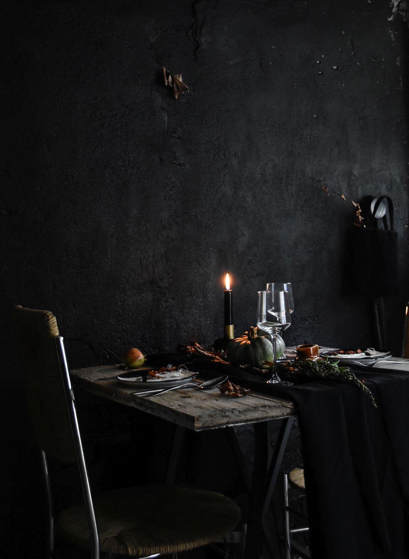 Halloween Table Setting Idea