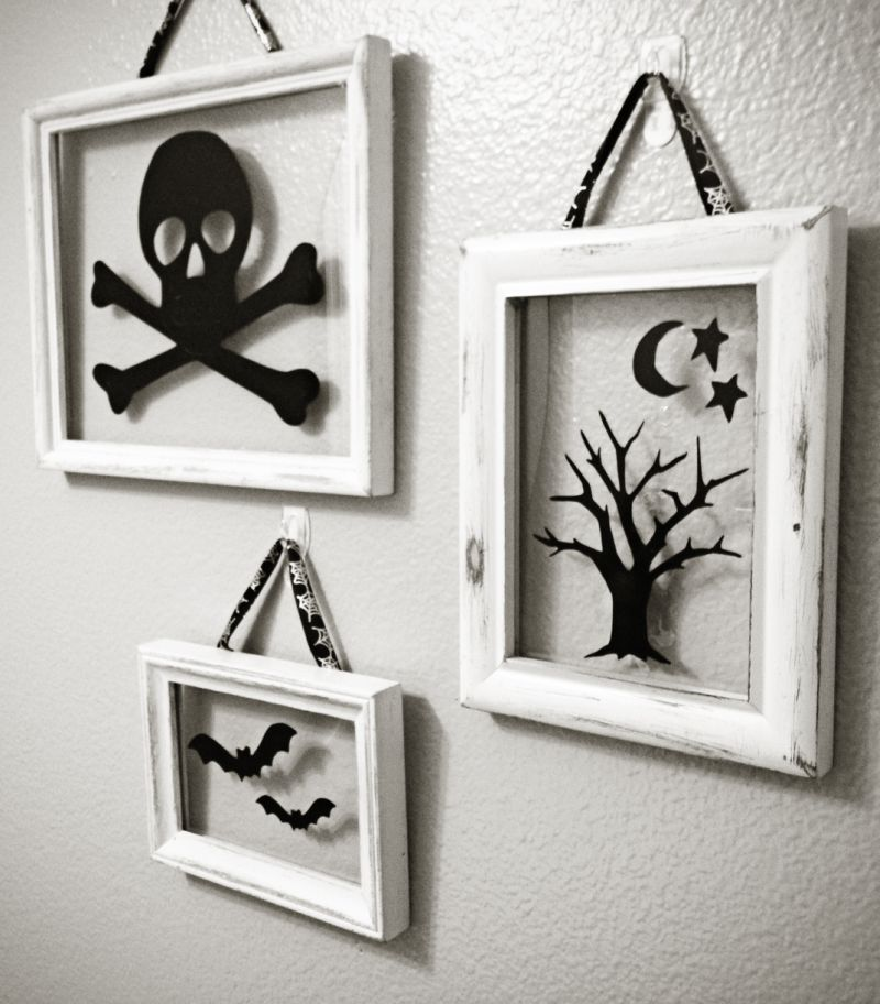 Halloween wall frames