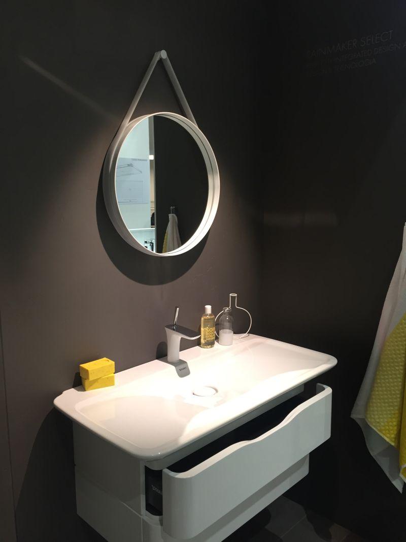 true-yellow-bathroom-design