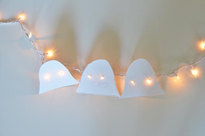 white-cats-friendly-halloween-lights