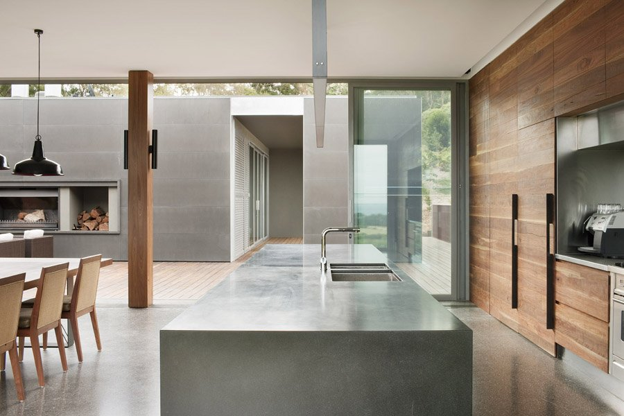 Balance between wood and concrete