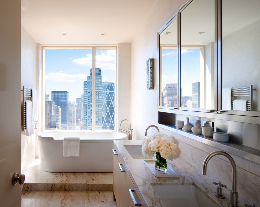 A bathroom by star designer Shawn Henderson lets the view dominate.