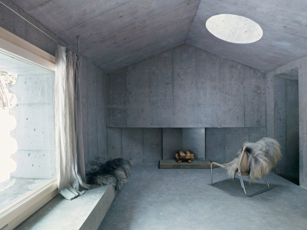 Concrete Refugi Lieptgas living