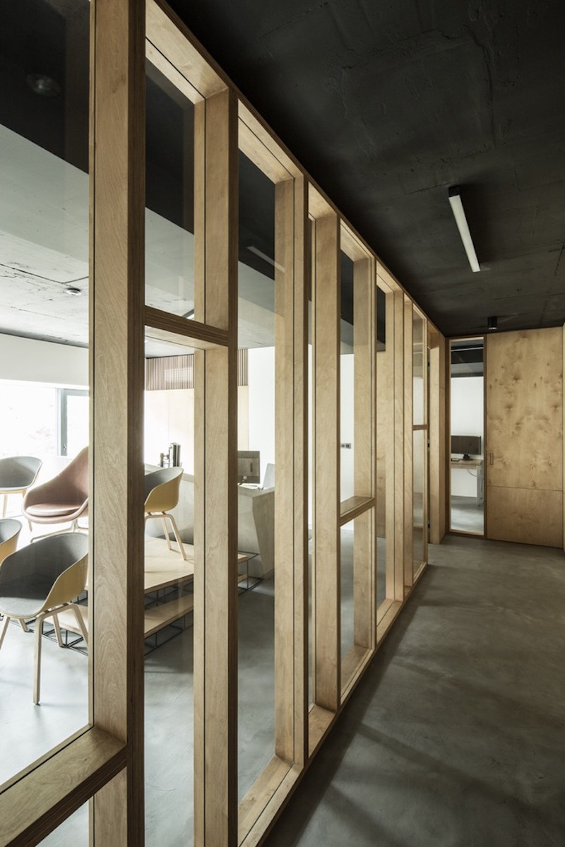 Framehouse office partition wall with glass