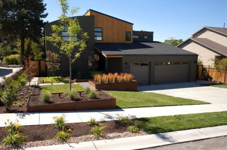 Front house corten planters