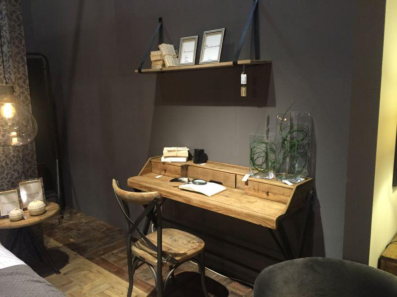 Leather hanging shelf