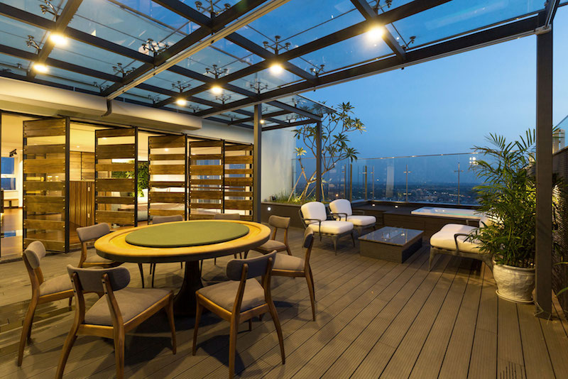 Penthouse Ecopark terrace doors