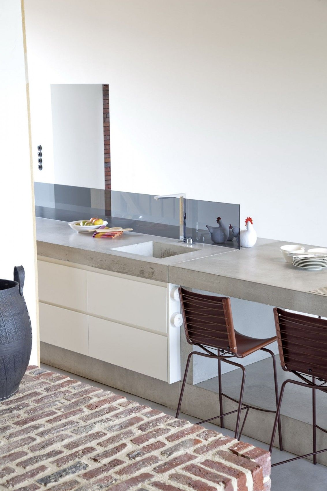 beautiful single family home in Gaasbeek with a concrete countertop