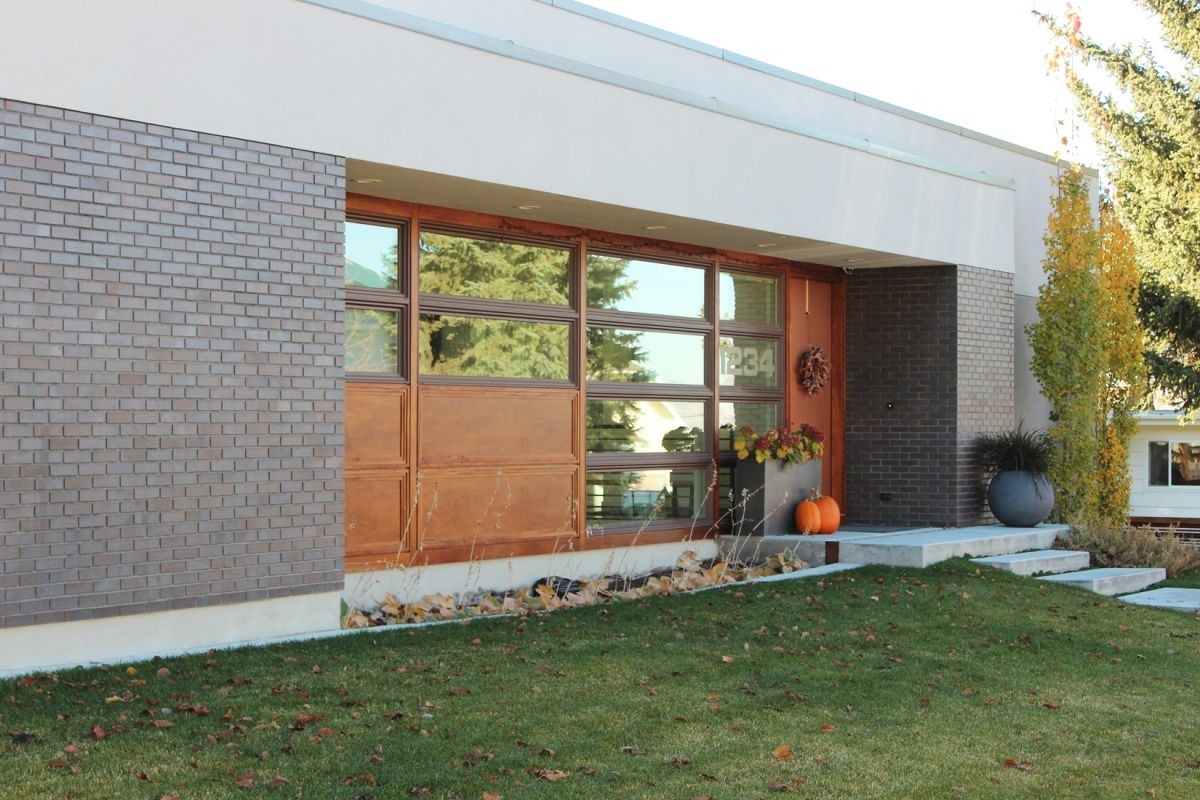 Creating a Fall Winter Curb Appeal