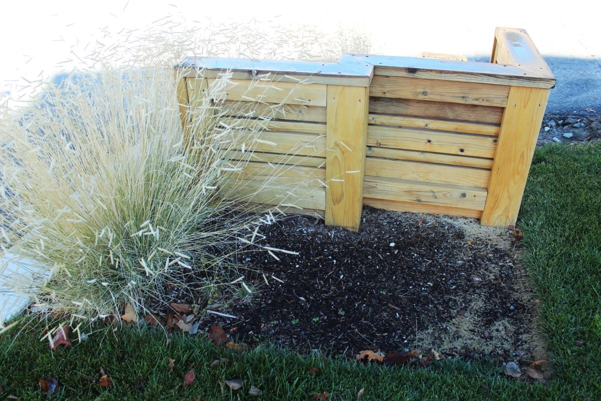 Curb Appeal - short fence and plants