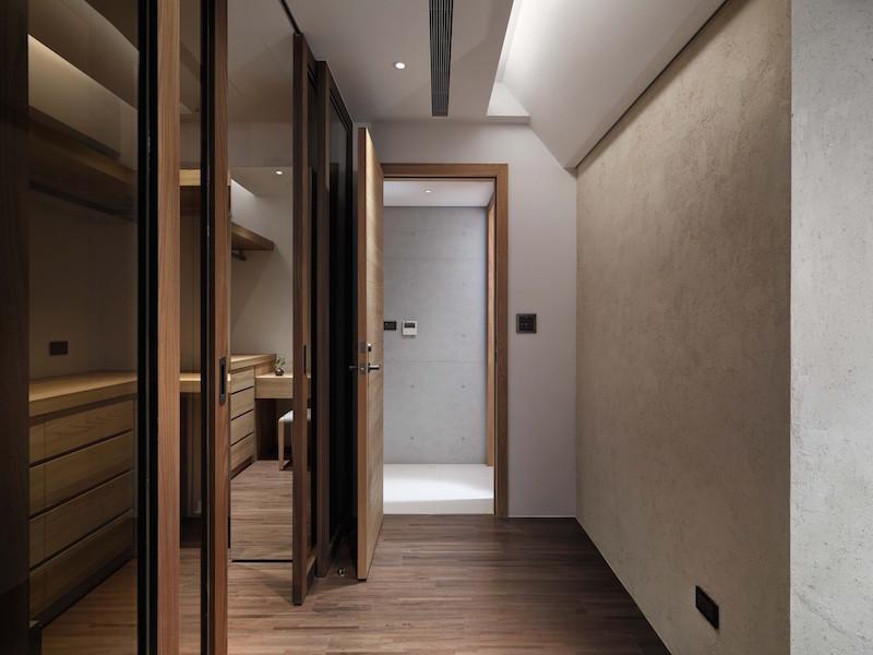 Jade apartment bathroom area