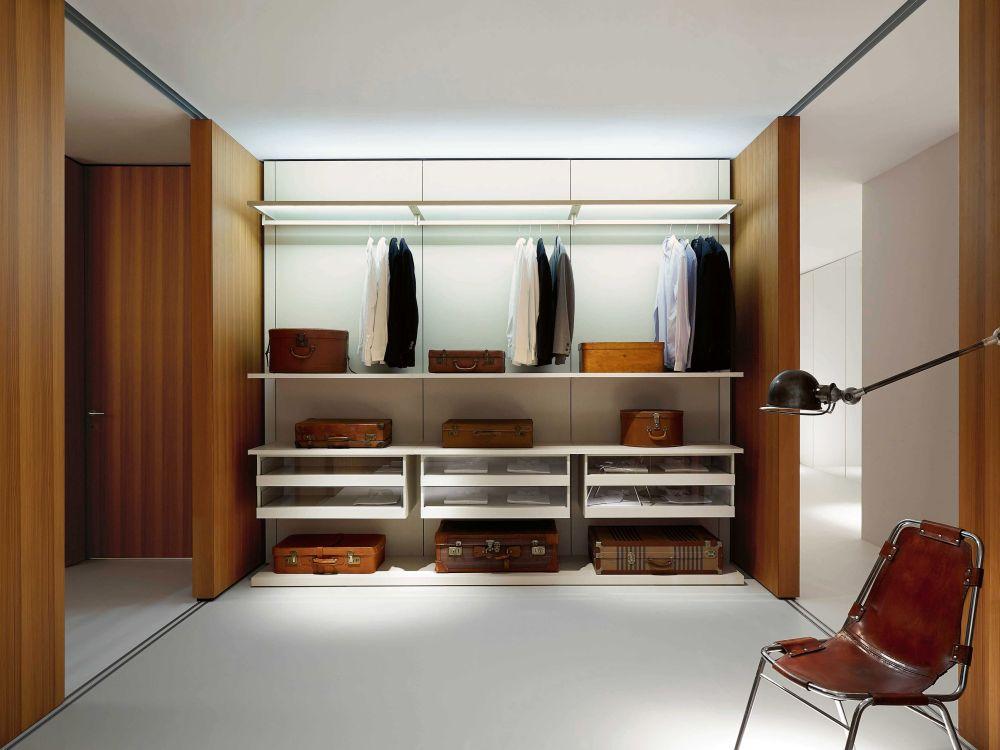 Masculine Porro storage wardrobe Boiserie