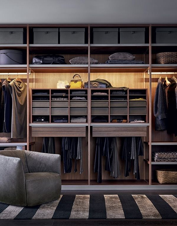 Poliform senzafine closet design Systems