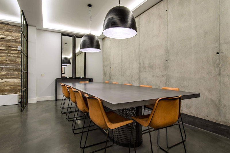 Residencial III house dining table and chairs