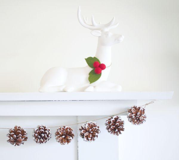 Seasonal garland for the fireplace