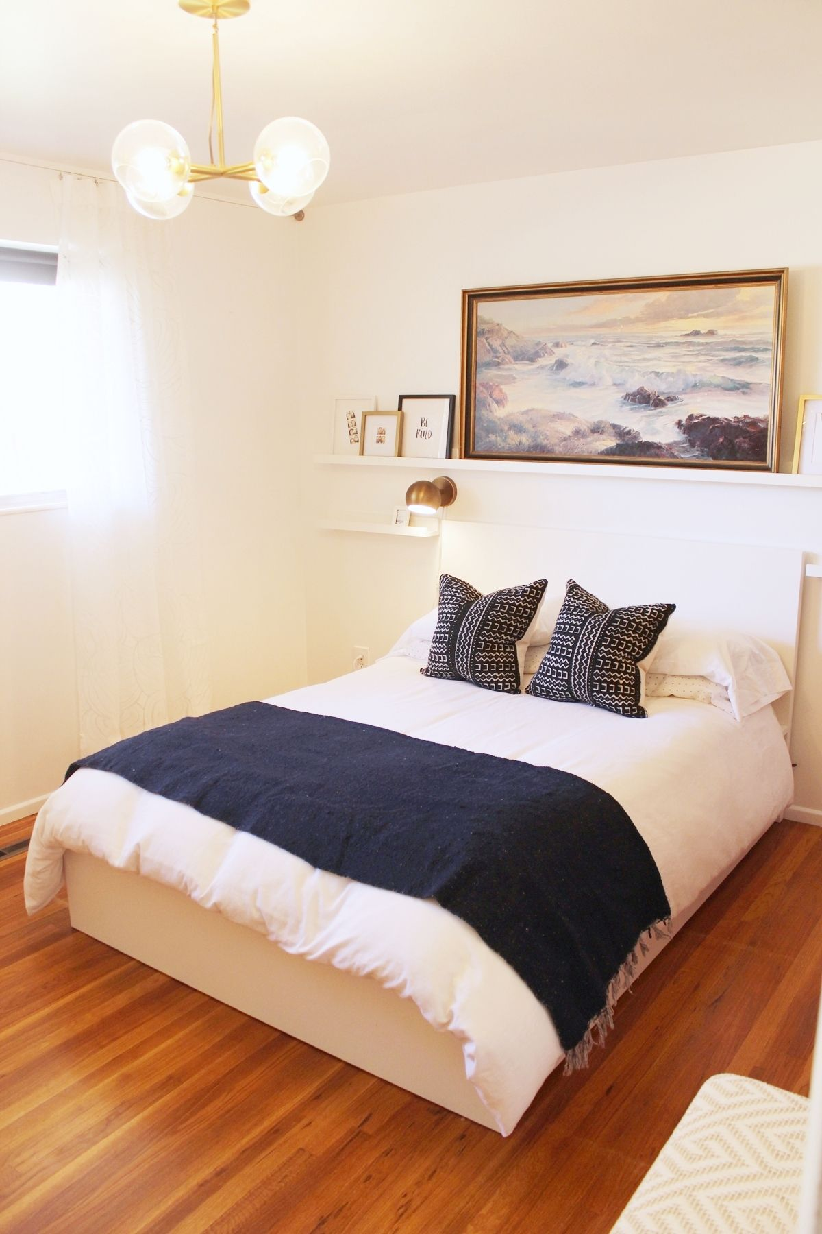 How To Decorate A Bedroom Simply And With Style