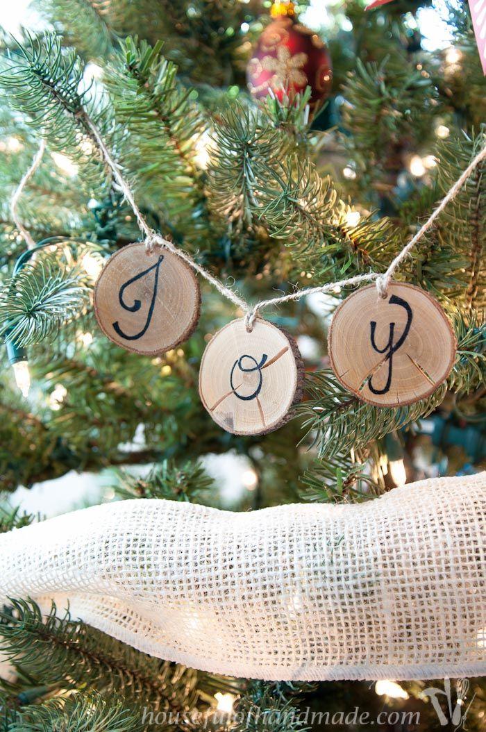 Wood Slice Christmas Tree Ornaments DIY