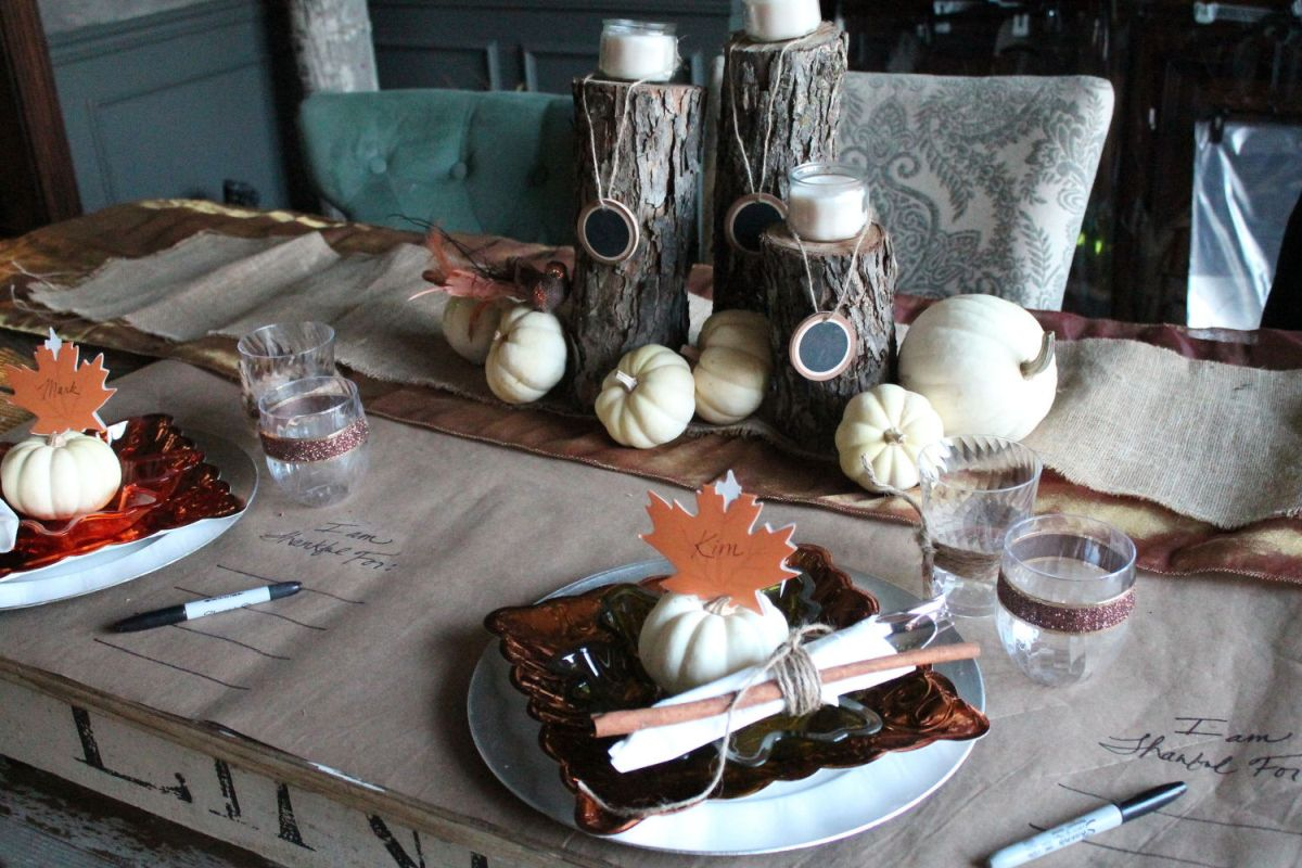 Wood logs centerpiece for Dining table