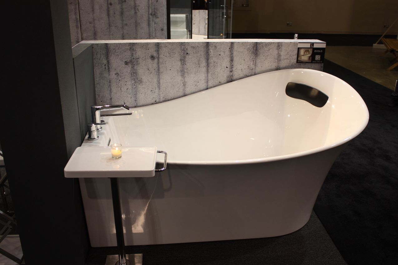 Bathroom Trends At IDS 2017 Feature Tubs And Compact