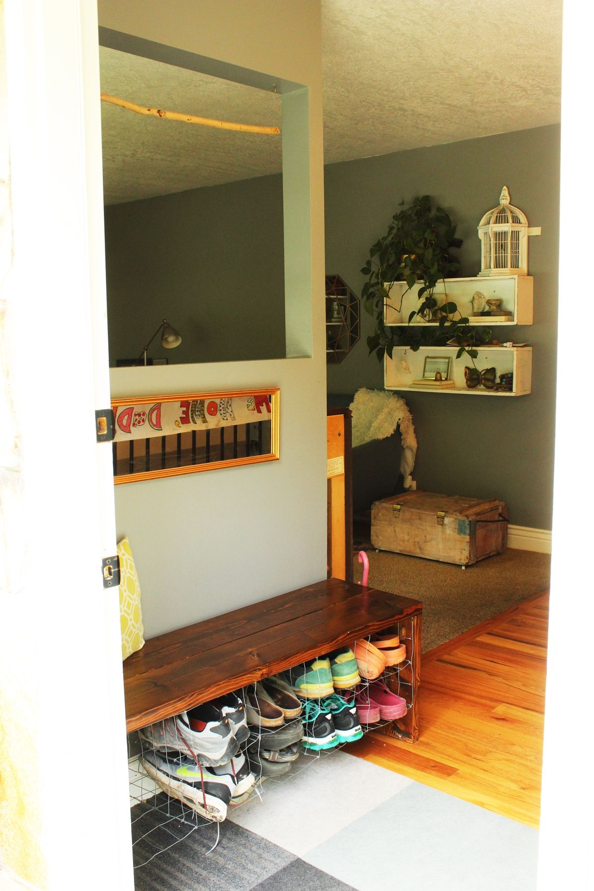 How To Feng Shui Your Entryway