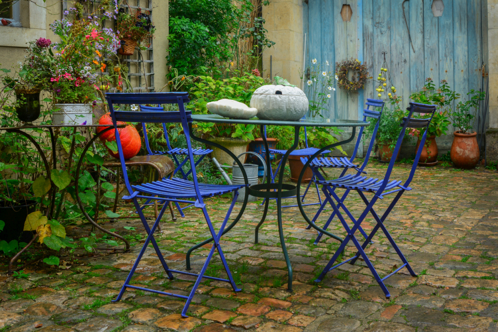 make the most of your patio space with folding patio chairs