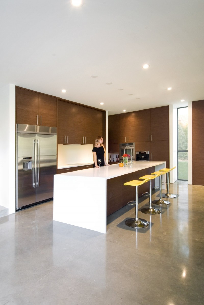 Cantilever House By Imbue Design
