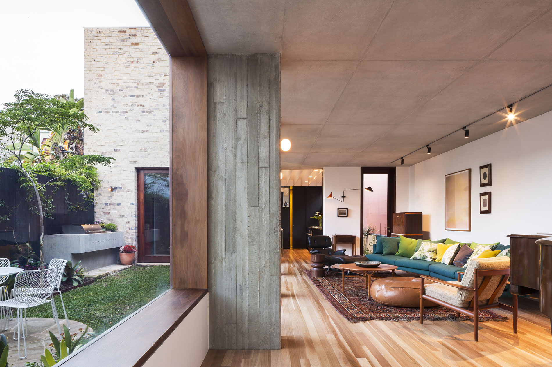Courtyard House By Aileen Sage Architects