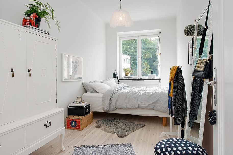 Contemporary Interior Design Brought In A 1930s Swedish Apartment Homesthetics Inspiring