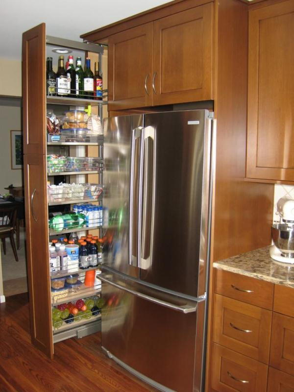 kitchen storage ideas that will enhance your space-pull-out pantry