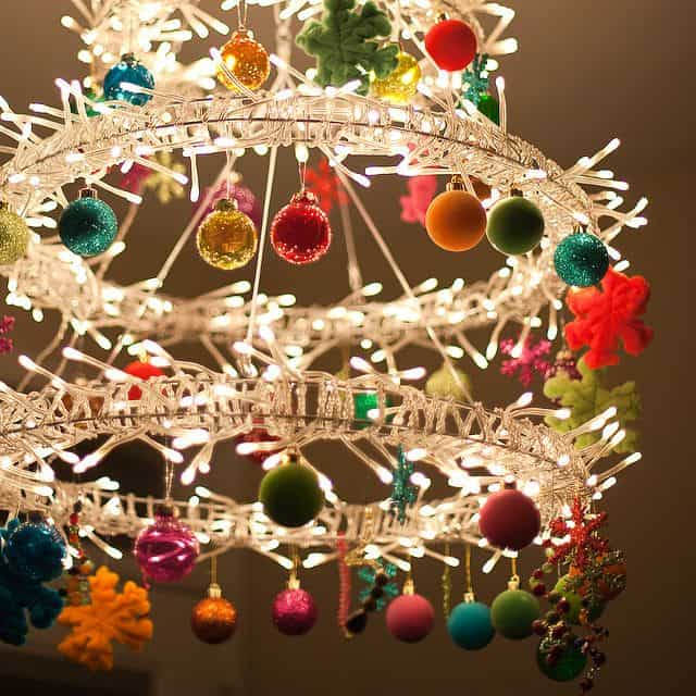 17 Gorgeous Christmas Chandelier For A Yuletide Home Decor 14