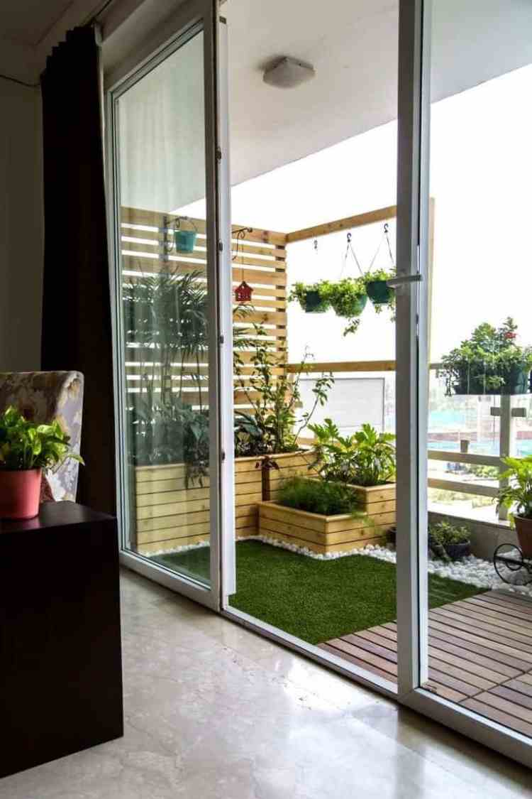 20 Small Balconies That Have A Huge Potential Homesthetics Inspiring Ideas For Your Home