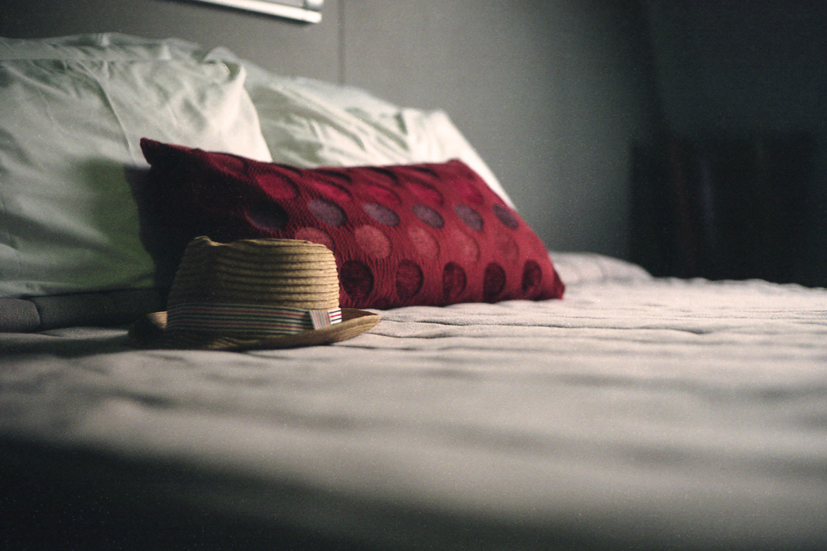 Why Is It Considered Unlucky To Leave A Hat On The Bed Howstuffworks