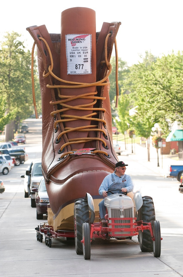 red-wing-shoes-worlds-largest-boot