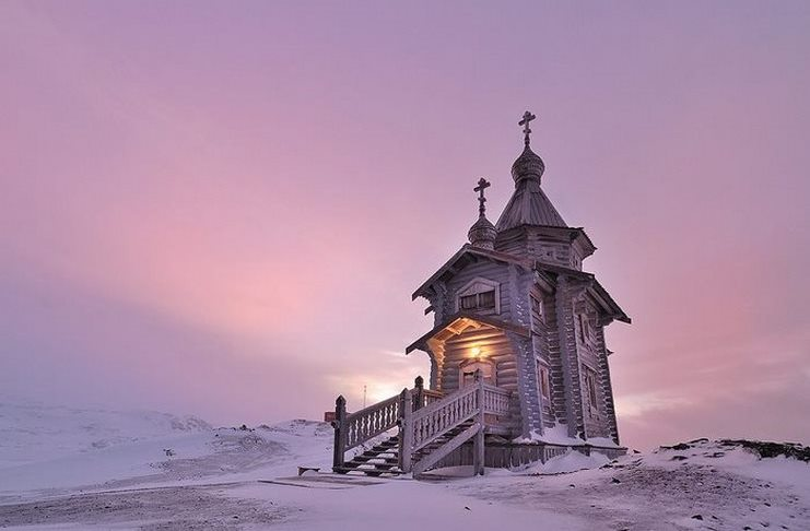 Η πιο γαλήνια Ορθόδοξη εκκλησία στον κόσμο βρίσκεται στην Ανταρκτική. Και είναι υπέροχη!