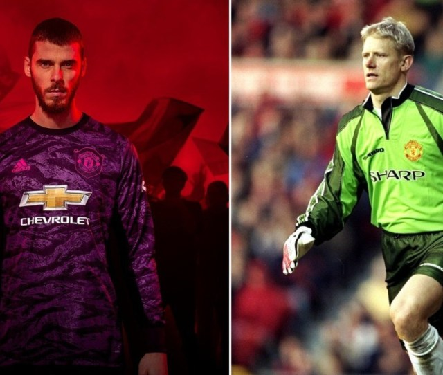 Manchester Uniteds David De Gea Models The New Purple Goalkeeper Kit Which Is Apparently Based