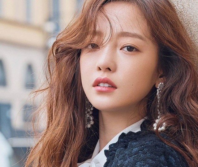 K Pop Idol Goo Hara 28 Is Unconscious In Hospital But Said To