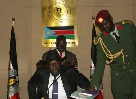 South Sudan's President Salva Kiir takes his seat at the State House, in Juba, prior to a brief consultative meeting with cabinet and State Governors, on August 16, 2015 ( Waakhe Simon Wudu (AFP) )