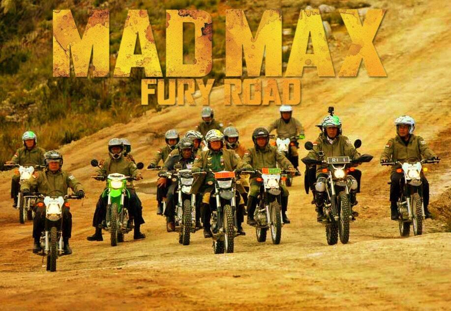 Gara Gara Jokowi Naik Motor Muncullah 15 Meme Kocak Ini