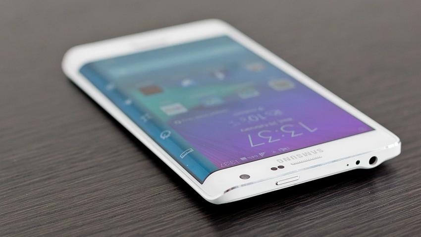 6 Keunggulan yang Cuma Dimiliki Smartphone Buatan Samsung