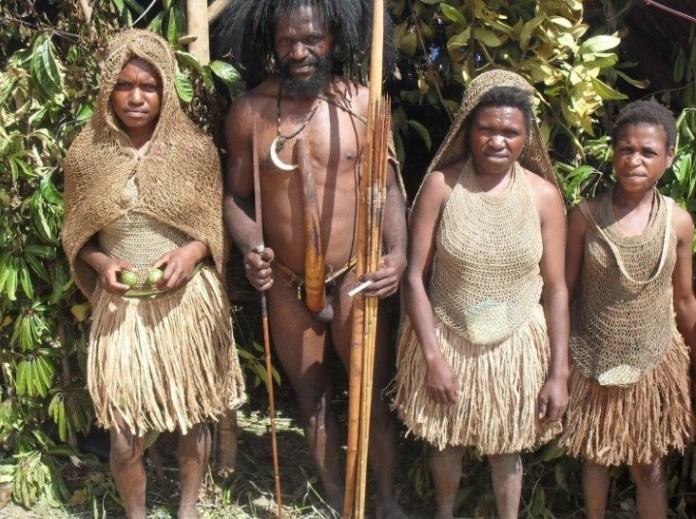 5 Aturan Pakaian Adat Papua Dan Filosofi Di Baliknya