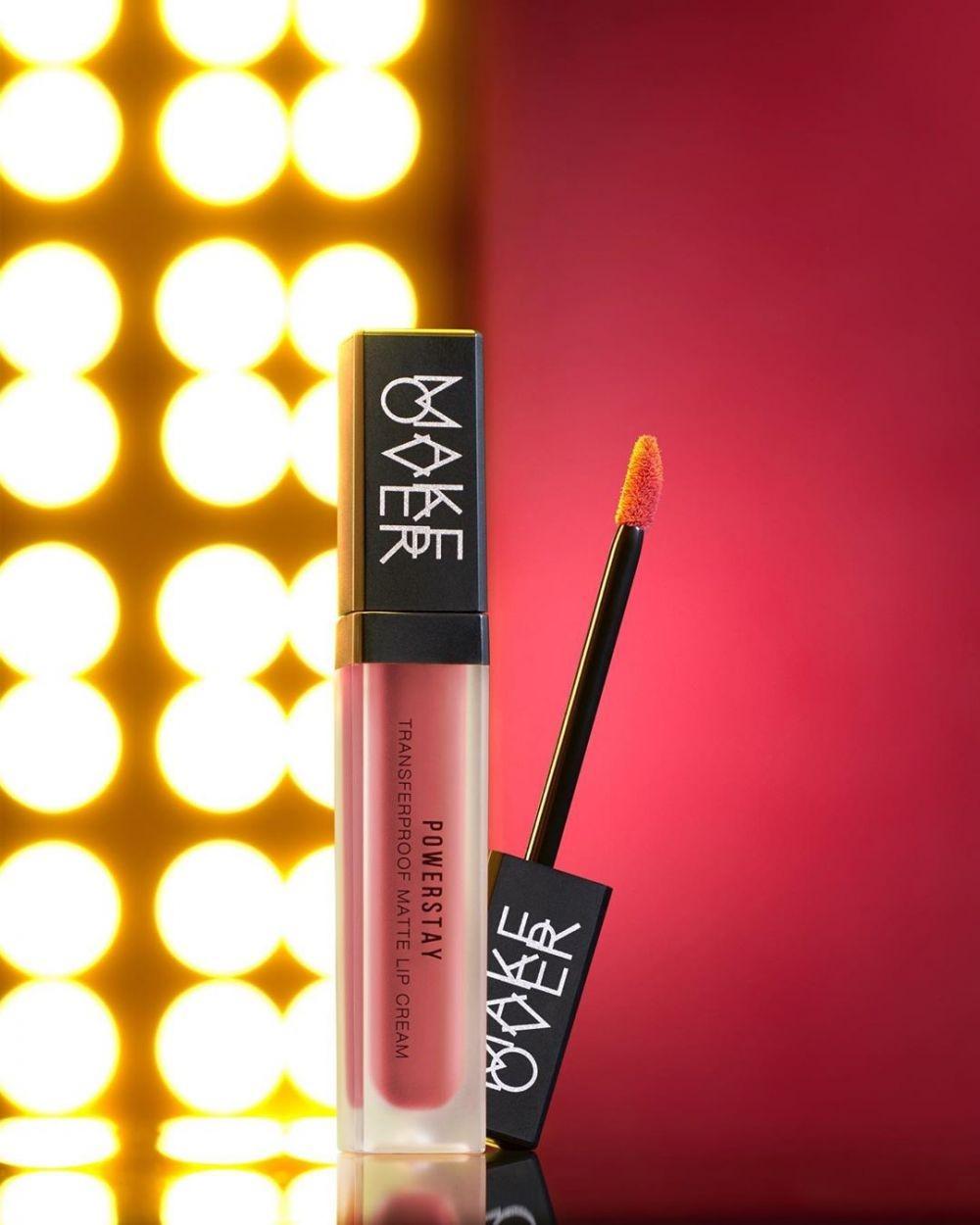 5 Kriteria Lipstik yang Laris Manis di Tahun 2020, Kamu Wajib Punya!